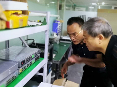 刘兆彬会长视察融智合创 大赞智慧机房项目